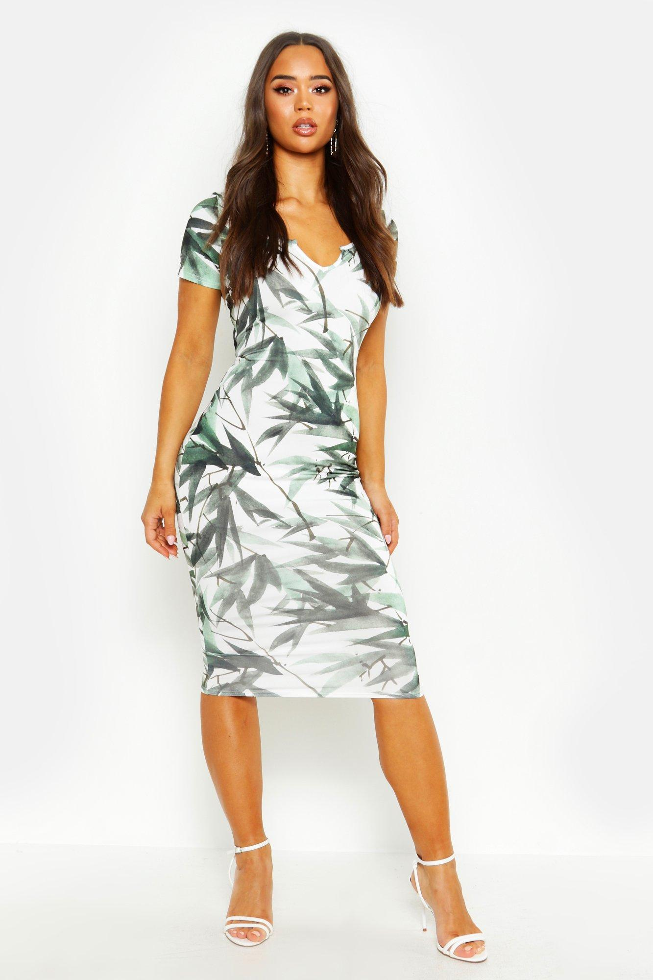 Облегающее платье с фигурным вырезом с зелеными листями из переработанной ткани