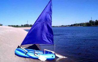 Надувная лодка с парусом