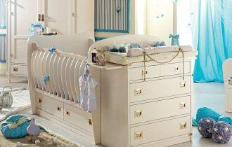 Детская кроватка с пеленальным столиком — уход без хлопот!