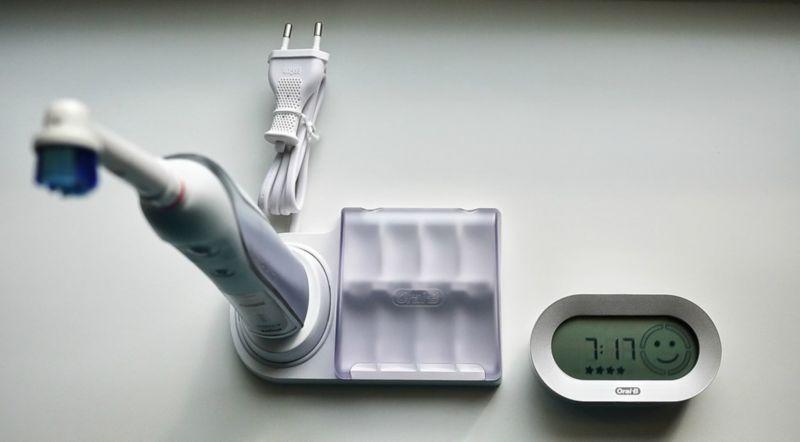 электрическая зубная щетка с таймером и дисплеем
