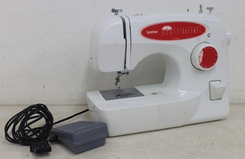 Вrother Хl-2220 – швейная машина среднего класса с плавным регулированием скорости