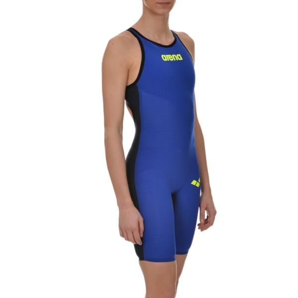 Лучший гидрокостюм для плавания в бассейне