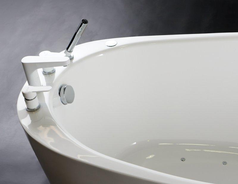 BelBagno BB50-1700 – лучшая акриловая глубокая ванна