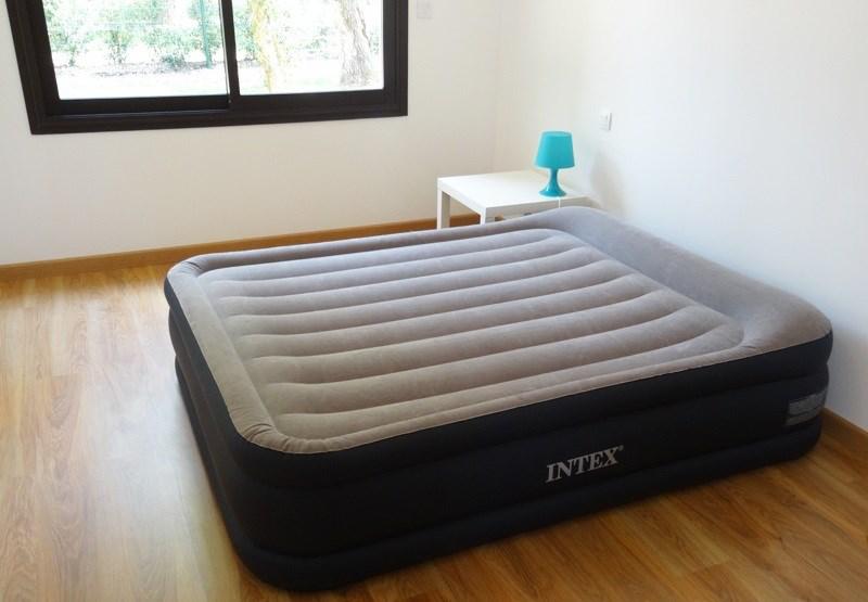 Intex 67738 – лучшая надувная кровать для сна