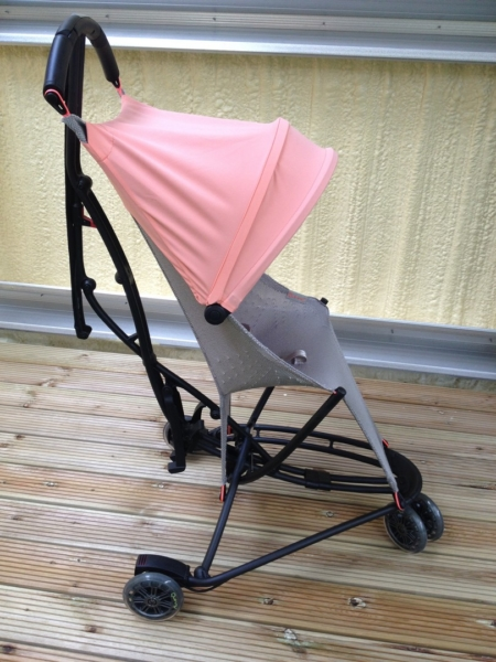 Quinny Yezz - лучшая трехколесная коляска трость